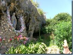 39d Grotta Lourdes